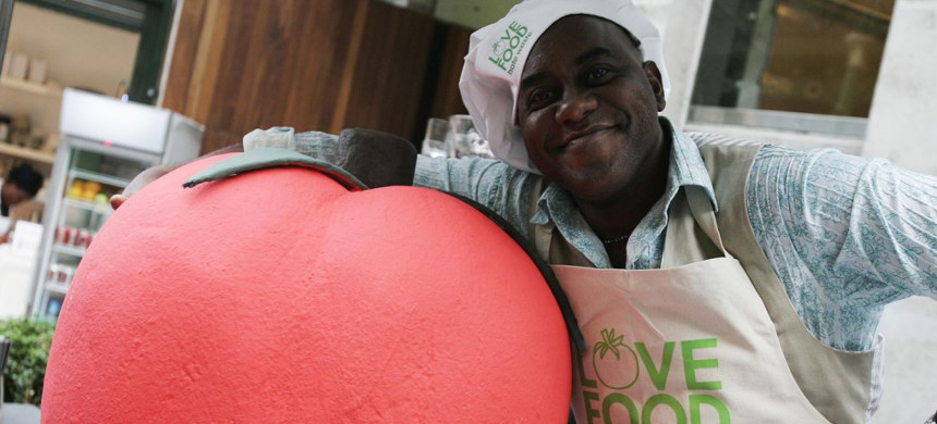 Celebrity chef Ainsley Harriott at the launch of the campaign 'Love Food, Hate Waste,' which found that the UK is throwing away a third of all food bought in the country. (photo: David Parry/Getty)