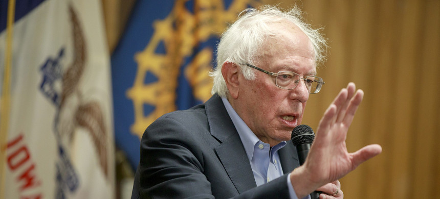 With a minor tweak, the iconoclastic Sen. Bernie Sanders executed a rare act of political dexterity to turn the narrative of him ignoring the pleas of his friends in labor on its head. (photo: Jeremy Hogan/AP)