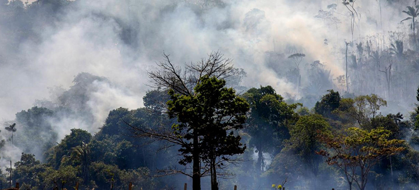The Amazon burning. (photo: Joao Laet/AFP/Getty Images)