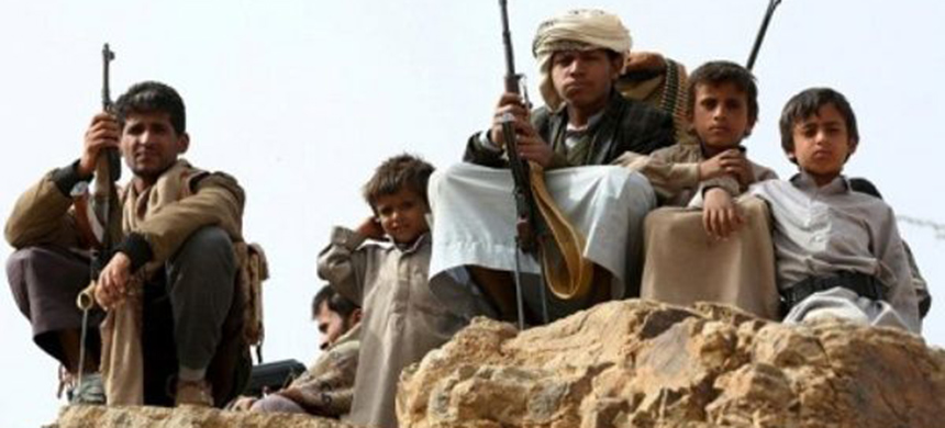 Thousands of Yemeni civilian, including desperately poor children, are recruited to fight along the Saudi border, defending it from the Houthis. (photo: Reuters)
