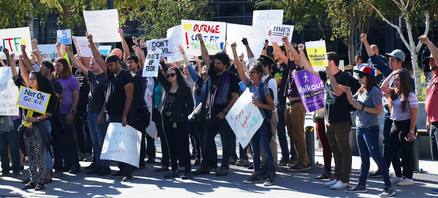 Google employees demonstrate outside Google headquarters. (photo: Jim Wilson/Getty)