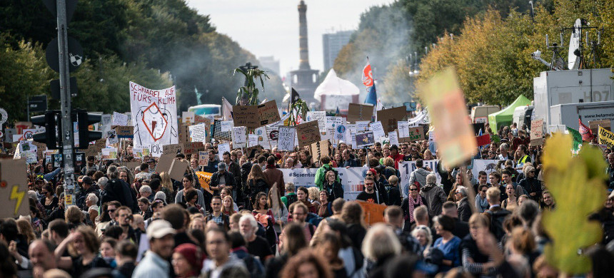 Climate strike in Montreal. (photo: CBC)