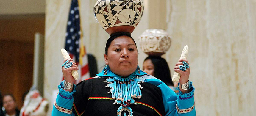 A handful of states are celebrating their first Indigenous Peoples' Day as part of a trend to move away from a day honoring Christopher Columbus. (photo: Morgan Lee/AP)