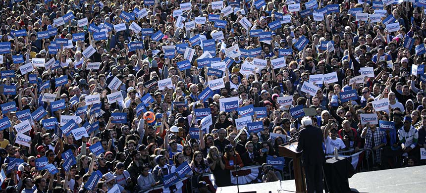 Democratic presidential candidate Sen. Bernie Sanders at a campaign rally in Queensbridge Park in New York on Saturday. (photo: Kena Betancur/Getty Images)