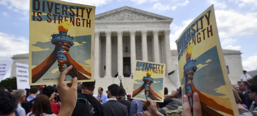 People protest the Muslim travel ban outside the U.S. Supreme Court in Washington, D.C., June 26, 2018. (photo: Mandel Ngan/Getty)