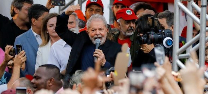 Former Brazilian president Luiz Inacio Lula da Silva delivers a speech after being released from prison, in Curitiba, Brazil, November 8, 2019. (photo: Reuters)