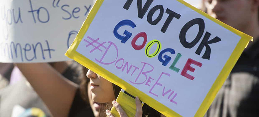 Four former Google employees plan to file federal charges accusing the company of attempting to quash worker organizing. (photo: Noah Berger/Associated Press)