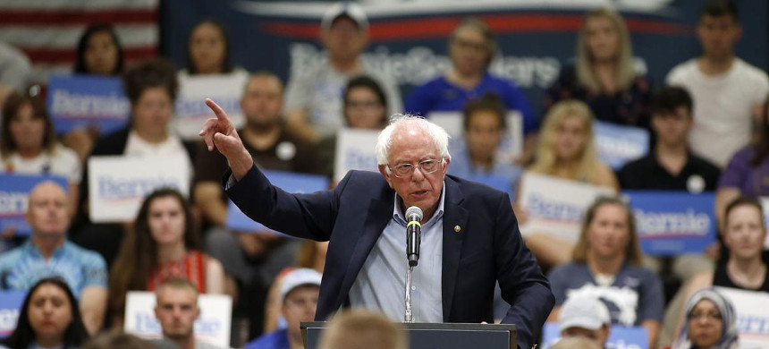 Sen. Bernie Sanders in Waterloo, Iowa. (photo: Brandon Pollock/The Courier)