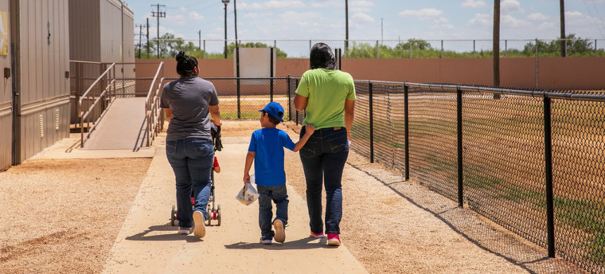The South Texas Family Residential Center in Dilley, Texas, is part of a system of detention facilities for migrant families. (photo: Illana Panich-Linsman/The New York Times)