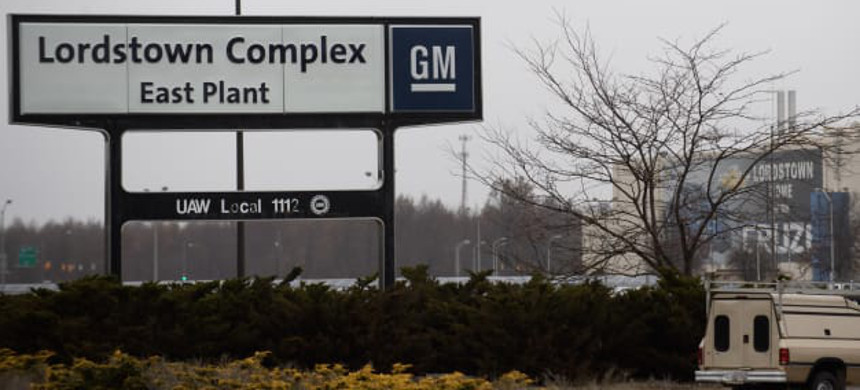 An exterior view of the GM Lordstown Plant on November 26, 2018 in Lordstown, Ohio. (photo: Jeff Swensen/Getty)
