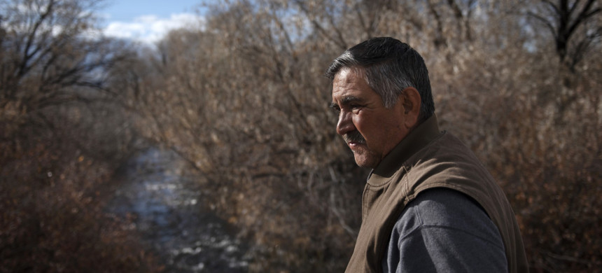 Vicente Fernandez's family has lived in Taos Valley for generations. He worries that a rollback of clean water rules will lead to more pollution flowing into vital waterways. (photo: Morgan Timms/LA Times)
