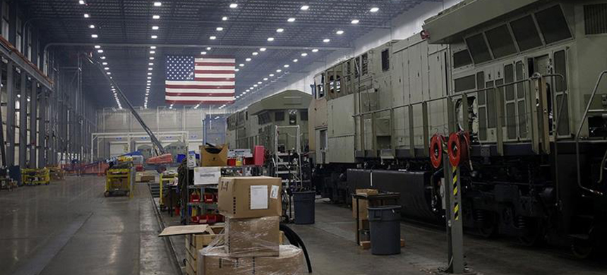 The Institute of Supply Management's purchasing managers showed a contraction in 15 of 18 manufacturing industries in December. (photo: Bloomberg)