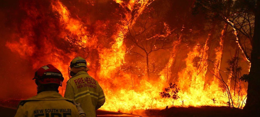 A bushfire in Australia. (photo: Getty Images)