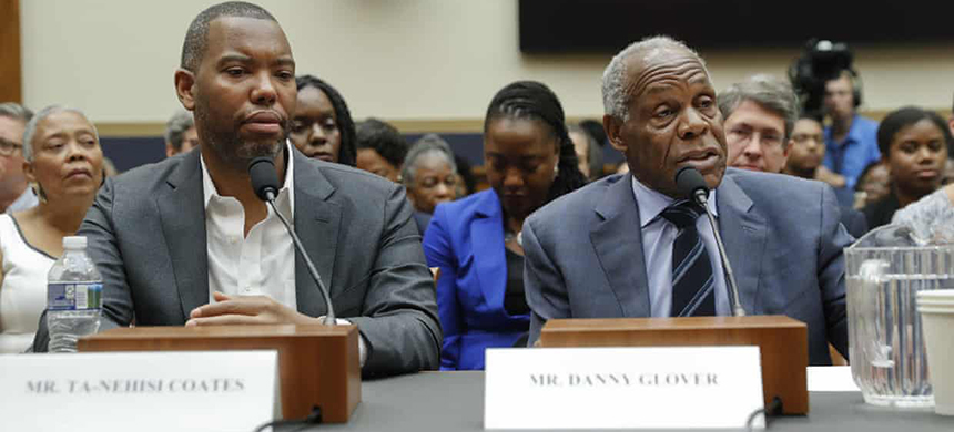 The actor Danny Glover, right, testifies before Congress about reparations alongside the author Ta-Nehisi Coates. Glover appeared at a town hall in Evanston to discuss the same issue. (photo: Pablo Martínez Monsiváis/AP)