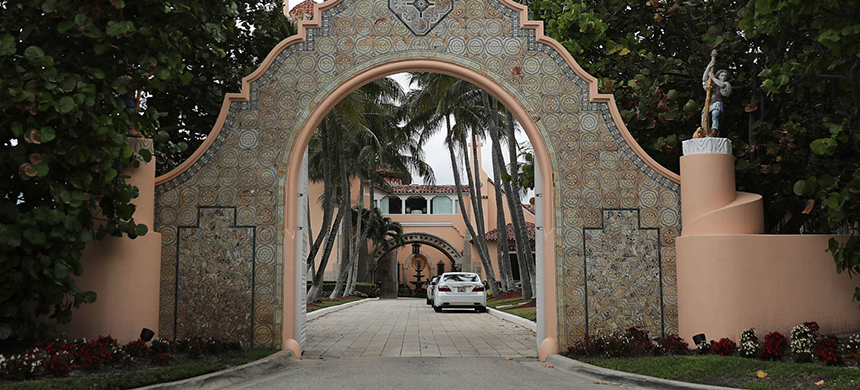 An entranceway to President Donald Trump's Mar-a-Lago resort is seen on April 03, 2019 in West Palm Beach, Florida. (photo: Getty Images)