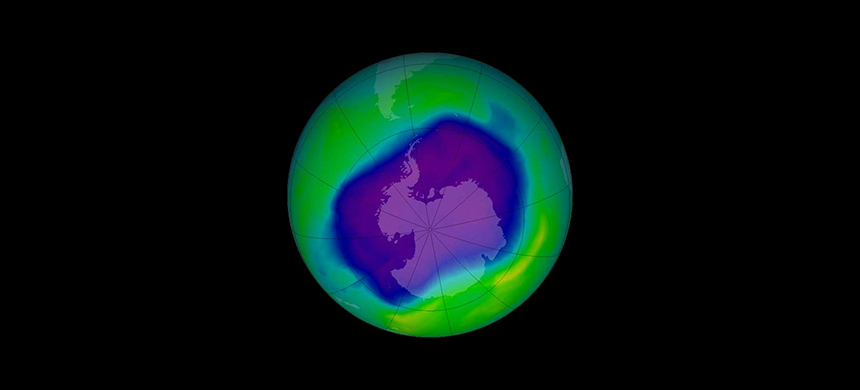 The Antarctic ozone hole on Sept. 24, 2006. (image: NASA)