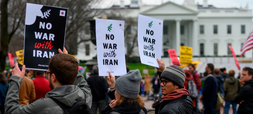 Anti-war activist protest in front of the White House in Washington, D.C., on January 4, 2020. (photo: Andrew Caballero-Reynolds/Getty)