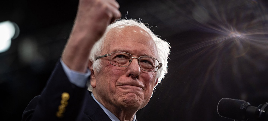 Sen. Bernie Sanders of Vermont gives a victory speech in Manchester, N.H., after winning the New Hampshire primary Tuesday night. (photo: Salwan Georges/WP)