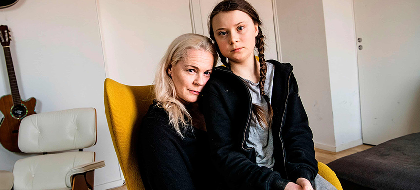 Greta Thunberg with her mother, opera singer Malena Ernman, in Stockholm. (photo: Malin Hoelstad/SvD/TT/PA Media)