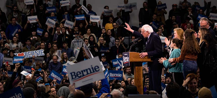 Bernie Sanders speaking to supporters an an election night rally in Manchester, N.H. (photo: Damon Winter/NYT)
