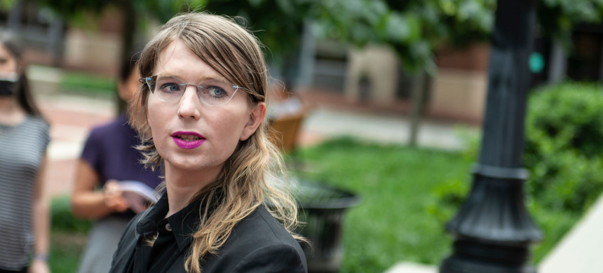 Former military intelligence analyst Chelsea Manning speaks to the press ahead of a Grand Jury appearance about WikiLeaks, in Alexandria, Virginia, May 16, 2019. (photo: Getty)