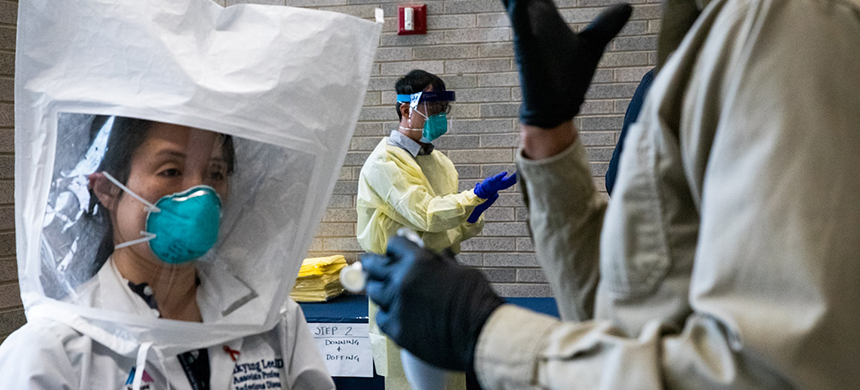 A Mount Sinai Health System hospital holds personal protective equipment training in New York on March 5. (photo: Sharon Pulwer/WP)