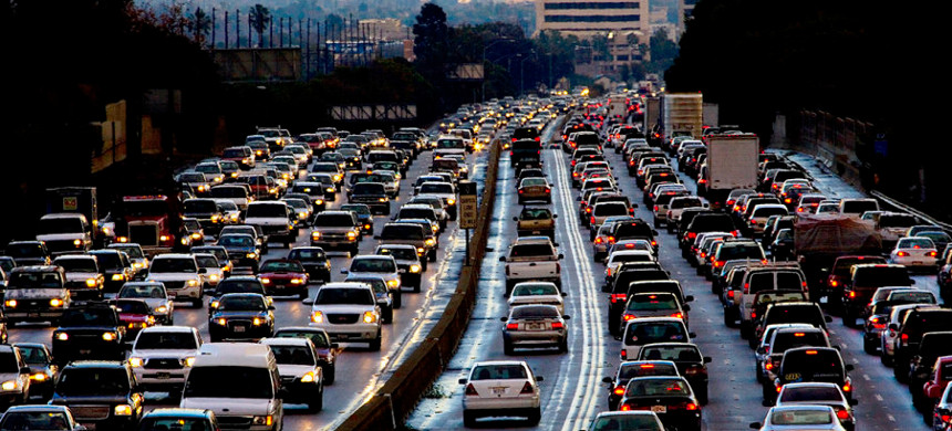 Evening traffic is gridlocked leaving Los Angeles on the 405 freeway during rush hour. L.A. (photo: Getty)