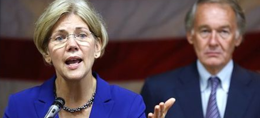 Elizabeth Warren speaks while Ed Markey, right, looks on. (photo: Michael Dwyer/AP)