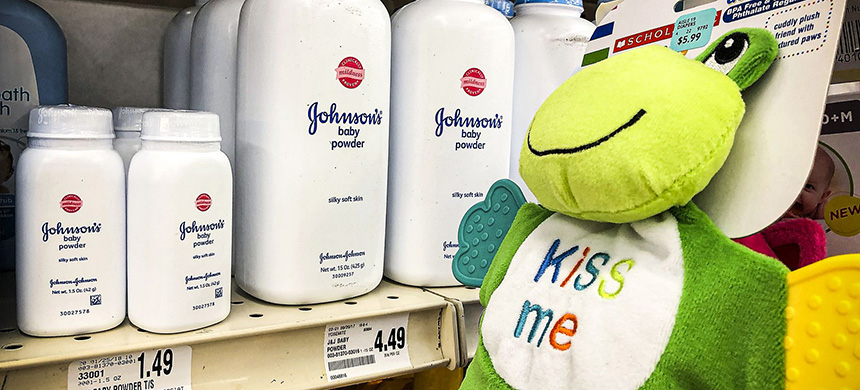 A Missouri jury has ordered Johnson & Johnson to pay $4.69 billion in damages to 22 women who claim that they got ovarian cancer from Johnson's baby powder. (photo: Justin Sullivan/Getty Images)
