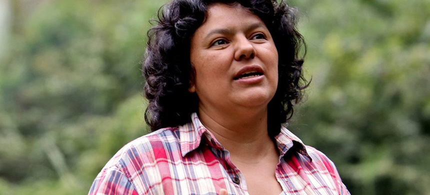 Berta Cáceres, Honduran environmental activist and indigenous leader, was murdered on March 2, 2016. (photo: Jacobin)