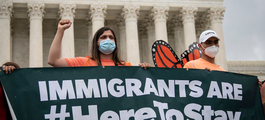 DACA recipients and their supporters rally outside the U.S. Supreme Court on June 18, 2020 in Washington, DC. (photo: Drew Angerer/Getty Images)