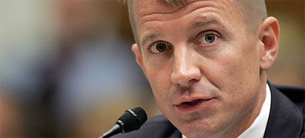 Erik Prince, founder of the private military company Xe - formerly known as Blackwater - testifies before a Congressional committee, 08/06/09. (photo: Tim Sloan/AFP/Getty)