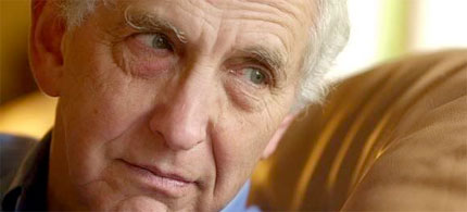 Daniel Ellsberg, who leaked the so-called 'Pentagon Papers' during the Vietnam War, is currently an ardent anti-war activist. (photo: Mark Costantini/SF Chronicle)