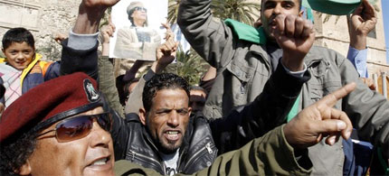 Civilian supporters are being armed against opponents and protesters of Moammar Gadhafi's regime, 02/26/11. (photo: Reuters)