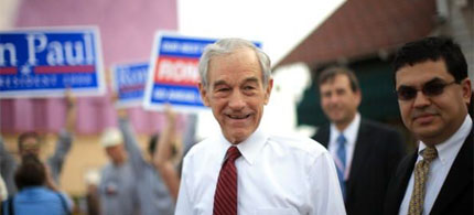 Congressman Ron Paul on the presidential campaign trail in Myrtle Beach, South Carolina, 01/10/08. (photo: Eric Thayer/Getty Images)