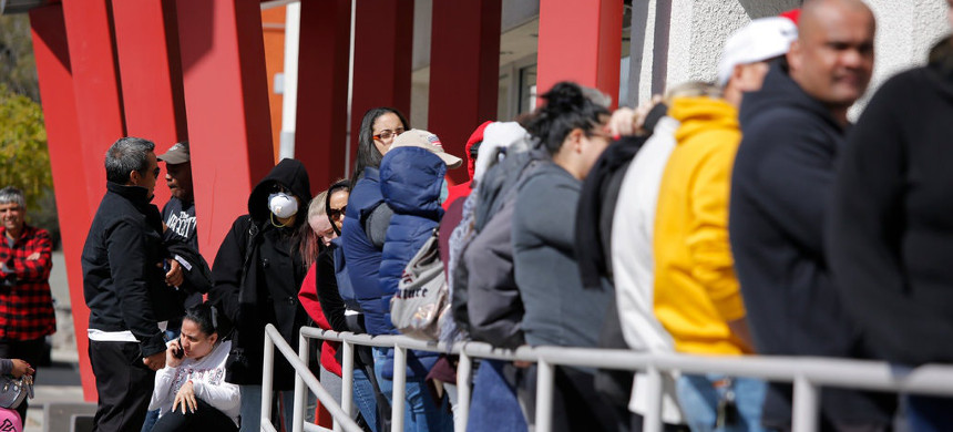 The line at an employment office in Las Vegas. (photo: John Locher/AP)