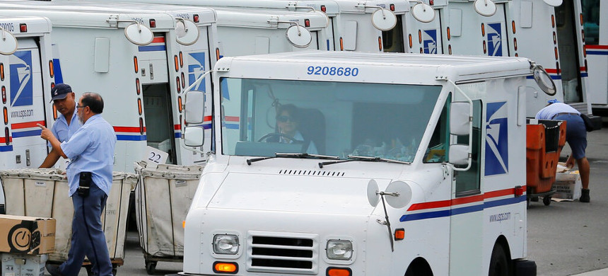 U.S. Post Office. (photo: Mike Blake/Reuters)