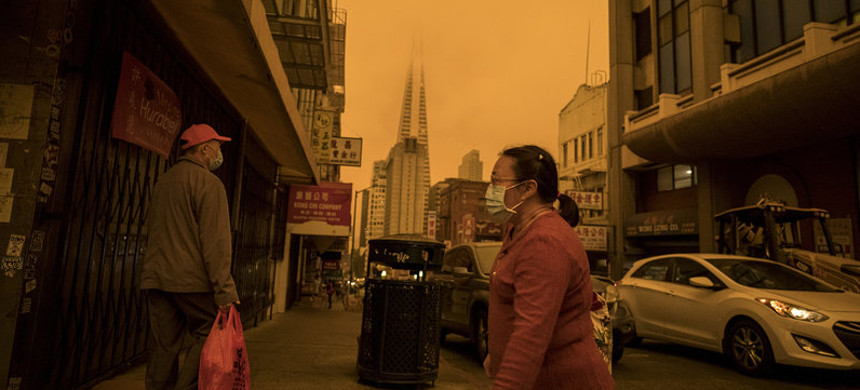 Stockton Street in the Chinatown district of San Francisco on Sept. 9, 2020, a time when air quality was affected by wind and wildfires. (photo: David Paul Morris/Getty)