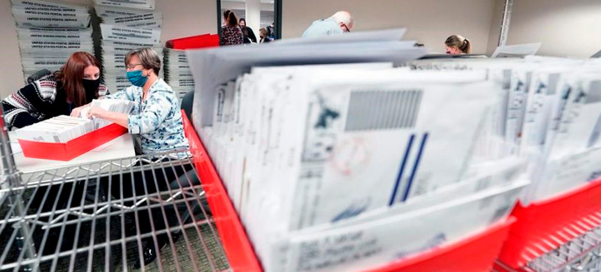 Mail-in ballots. (photo: AP)