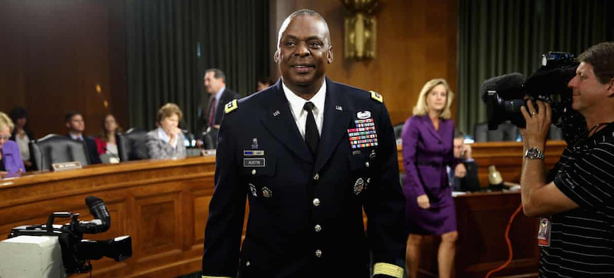 Lloyd Austin was involved in the Iraq war and the fight against ISIS. (photo: Chip Somodevilla/Getty Images)