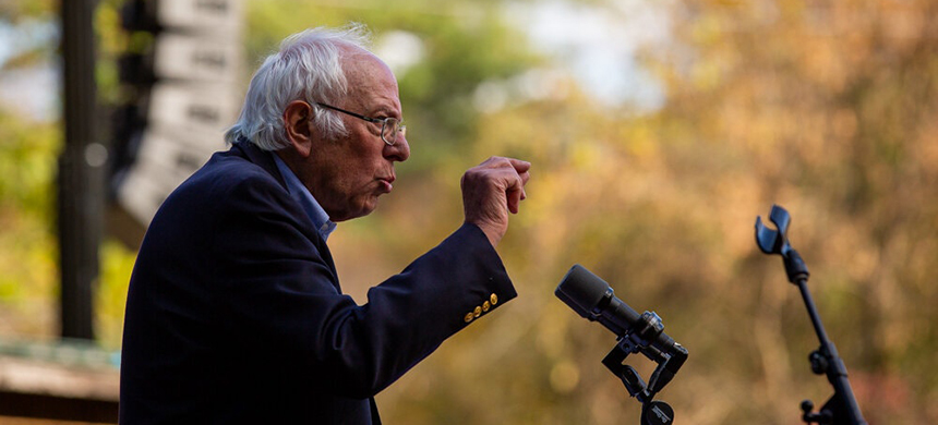 Senator Bernie Sanders of Vermont said he would move quickly in his new role to push through a robust and deficit-financed economic stimulus package. (photo: Elizabeth Frantz/NYT)