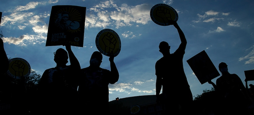 Union workers at a rally. (photo: AP)
