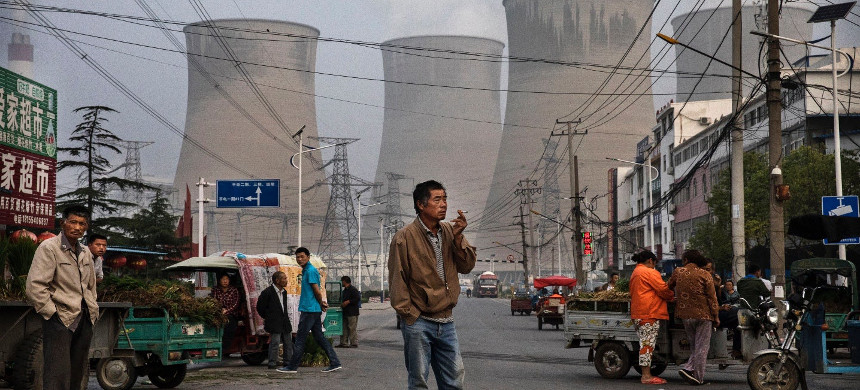 China, India, Indonesia, Japan and Vietnam are planning to build over 600 new coal power plants. (photo: Kevin Frayer/Getty)