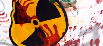 An anti-nuke flag is displayed at a protest in Kouenji, Japan, 04/10/11. (photo: SandoCap/Flickr)