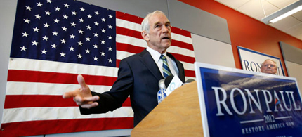 Rep. Ron Paul of Texas campaigns for the 2012 presidential election, 07/01/11. (photo: Jim Cole/AP)
