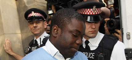UBS trader Kweku Adoboli leaves the City of London Magistrates court, 09/16/11. (photo: Getty Images)
