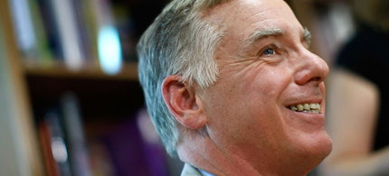Former Democratic National Committee chairman and former Gov. Howard Dean speaks at the Politics and Prose Bookstore in Washington, DC. (photo: Win McNamee/Getty Images)