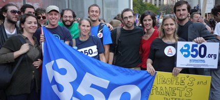 350.org activists join Occupy Wall Street. (photo: 350.org/flickr)