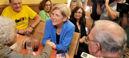 Elizabeth Warren campaigns in Framingham, Mass., in September. (photo: Josh Reynolds/AP)