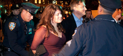 Author Naomi Wolf and her partner Avram Ludwig were arrested in New York at an Occupy Wall Street protest, 10/18/11. (photo: Mike Shane/Guardian UK)